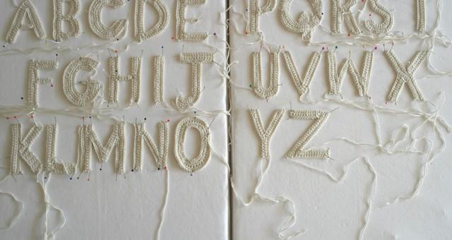 Gehaakte letters (Libelle 43, 2013)